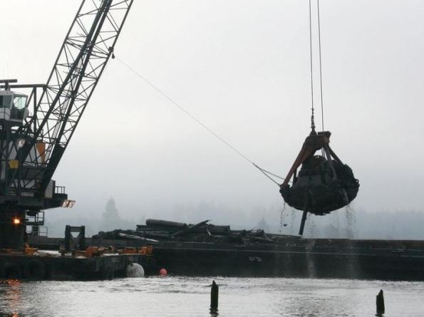 Grays-Harbor-Dredging-Kicks-Off
